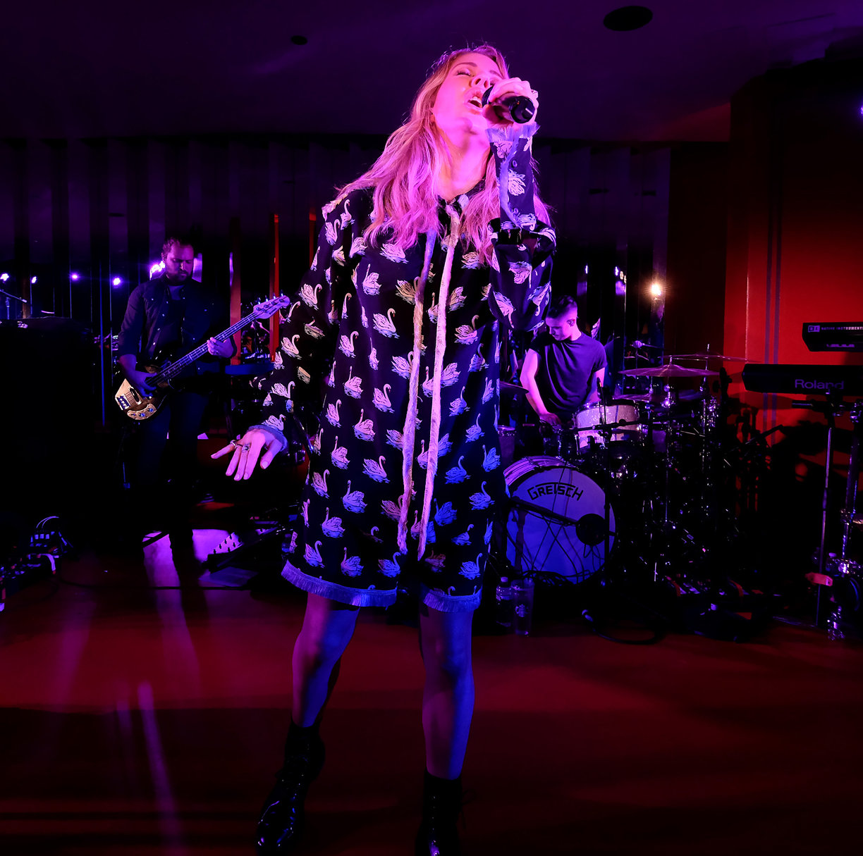 NEW YORK, NY - SEPTEMBER 07:  Ellie Goulding performs at the Cartier Fifth Avenue Grand Reopening Event at the Cartier Mansion on September 7, 2016 in New York City.  (Photo by Dimitrios Kambouris/Getty Images for Cartier)