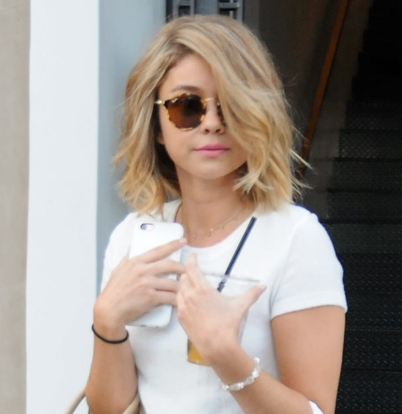 091516-sarah-hyland-new-hair-embed.jpg