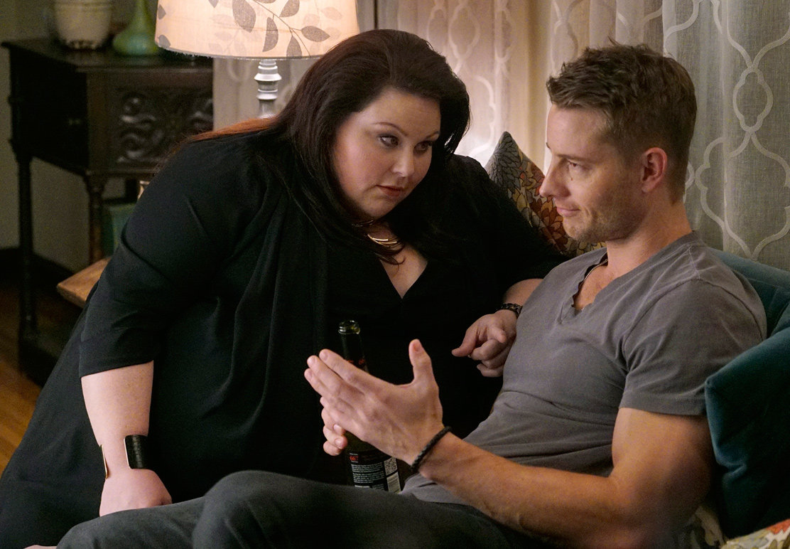 THIS IS US -- Pilot -- Pictured: (l-r) Chrissy Metz as Kate, Justin Hartley as Kevin -- (Photo by: Paul Drinkwater/NBC/NBCU Photo Bank)