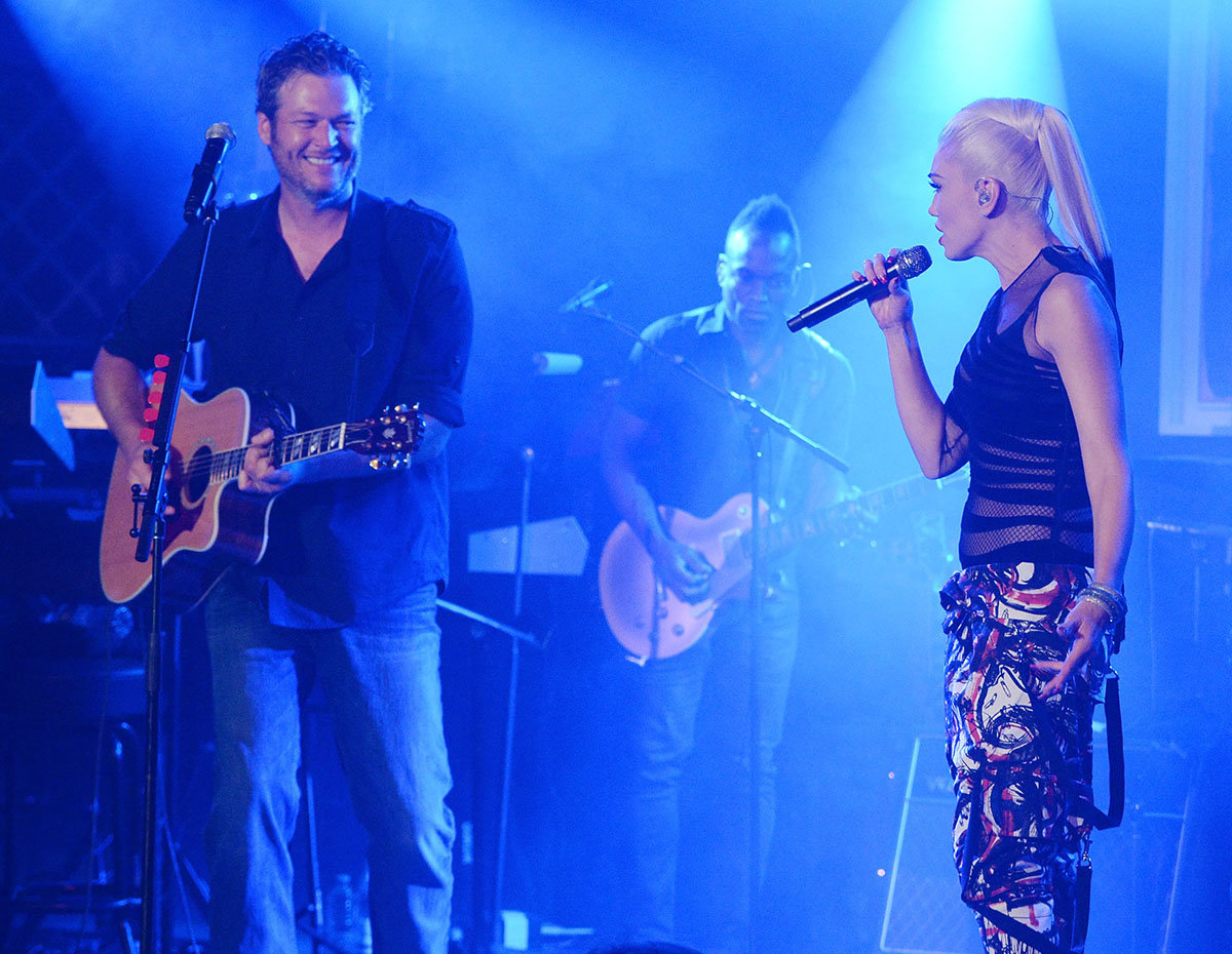 Blake Shelton and Gwen Stefani EMBED