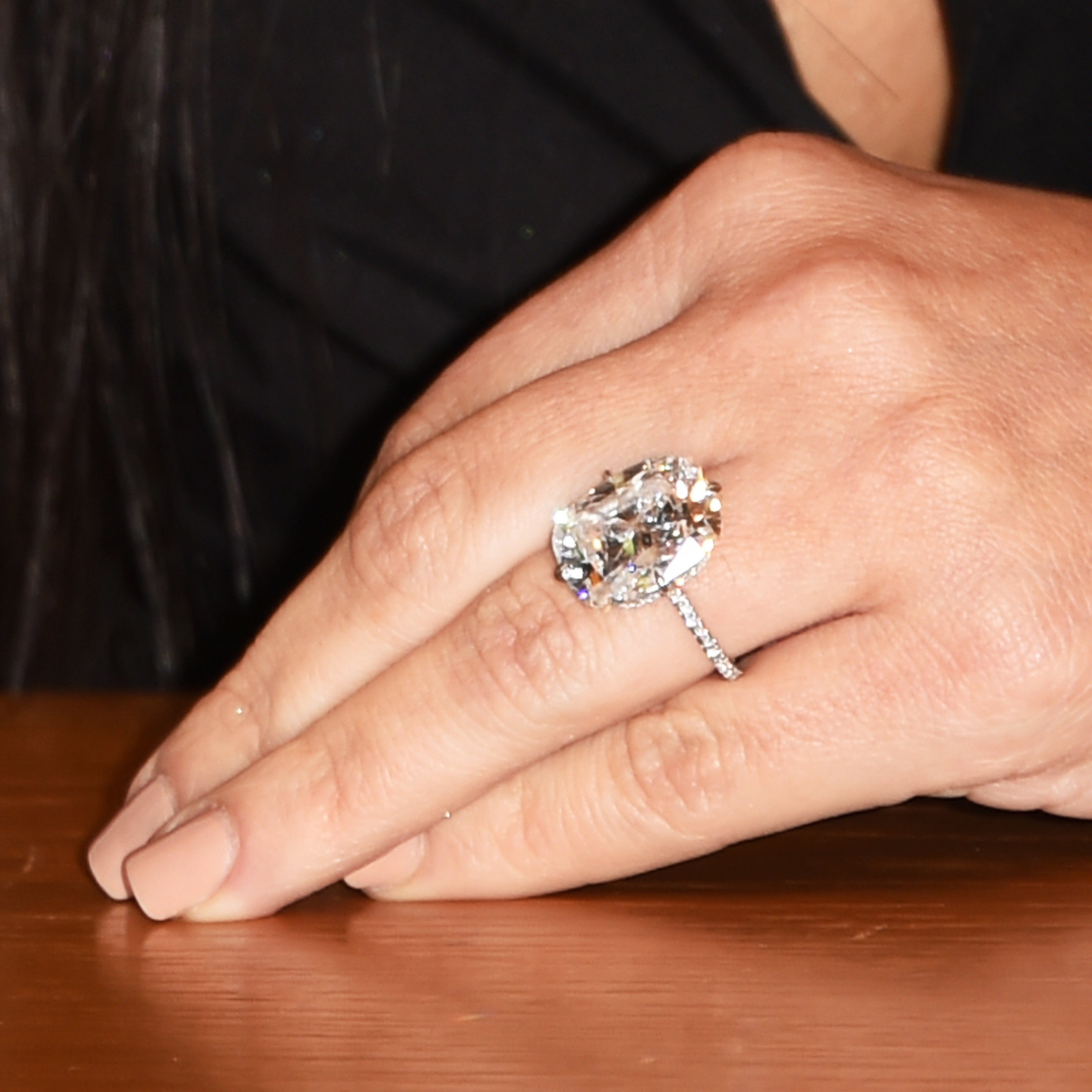 Kim Kardashian Flaunts New Diamond Ring | InStyle.com