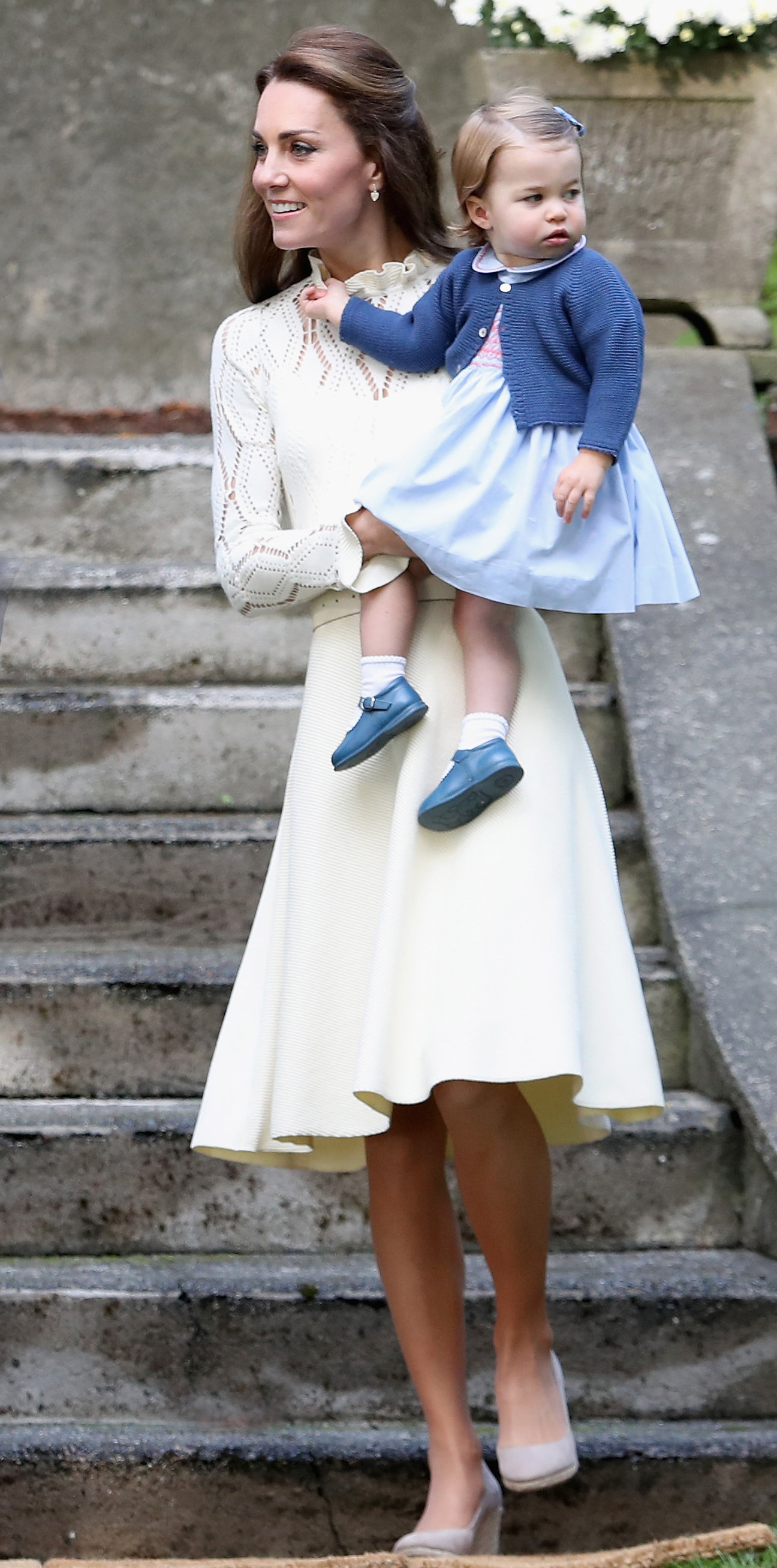 d03379de18c Kate Middleton Wears a Cream Dress for an Afternoon with Princess ...