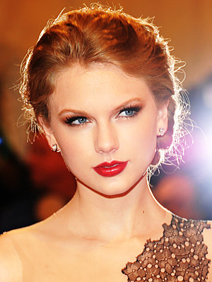 060311-poll-red-lips-300.jpg
