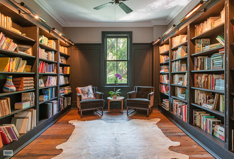 Michelle Williams' Brooklyn Home - Library