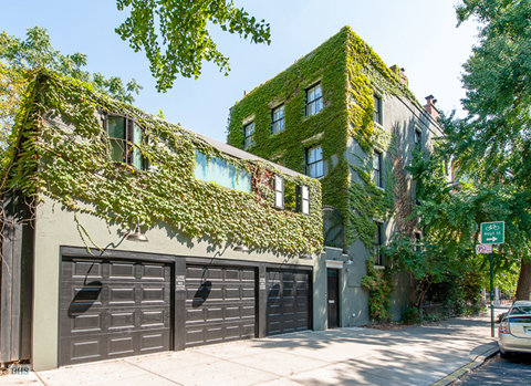 Michelle Williams' Brooklyn Home - Exterior