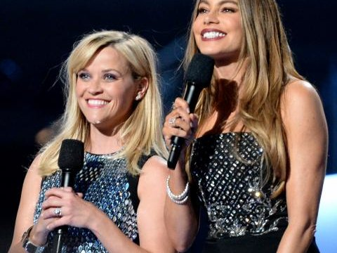 042015-reese-witherspoon-and-sofia-vergara-2015-acm-awards.jpg