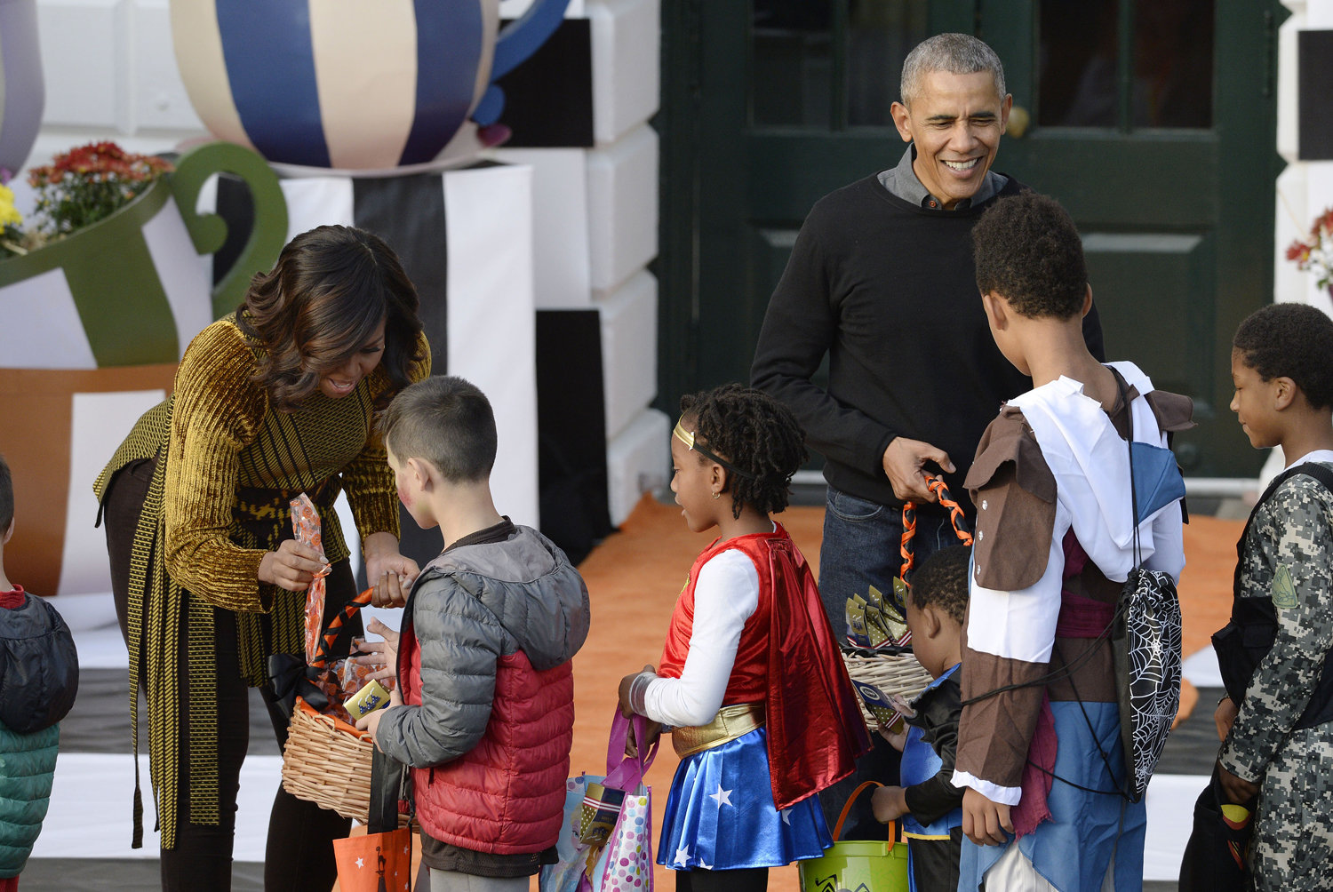 Michelle and Barack Obama's Final White House Halloween Party ...