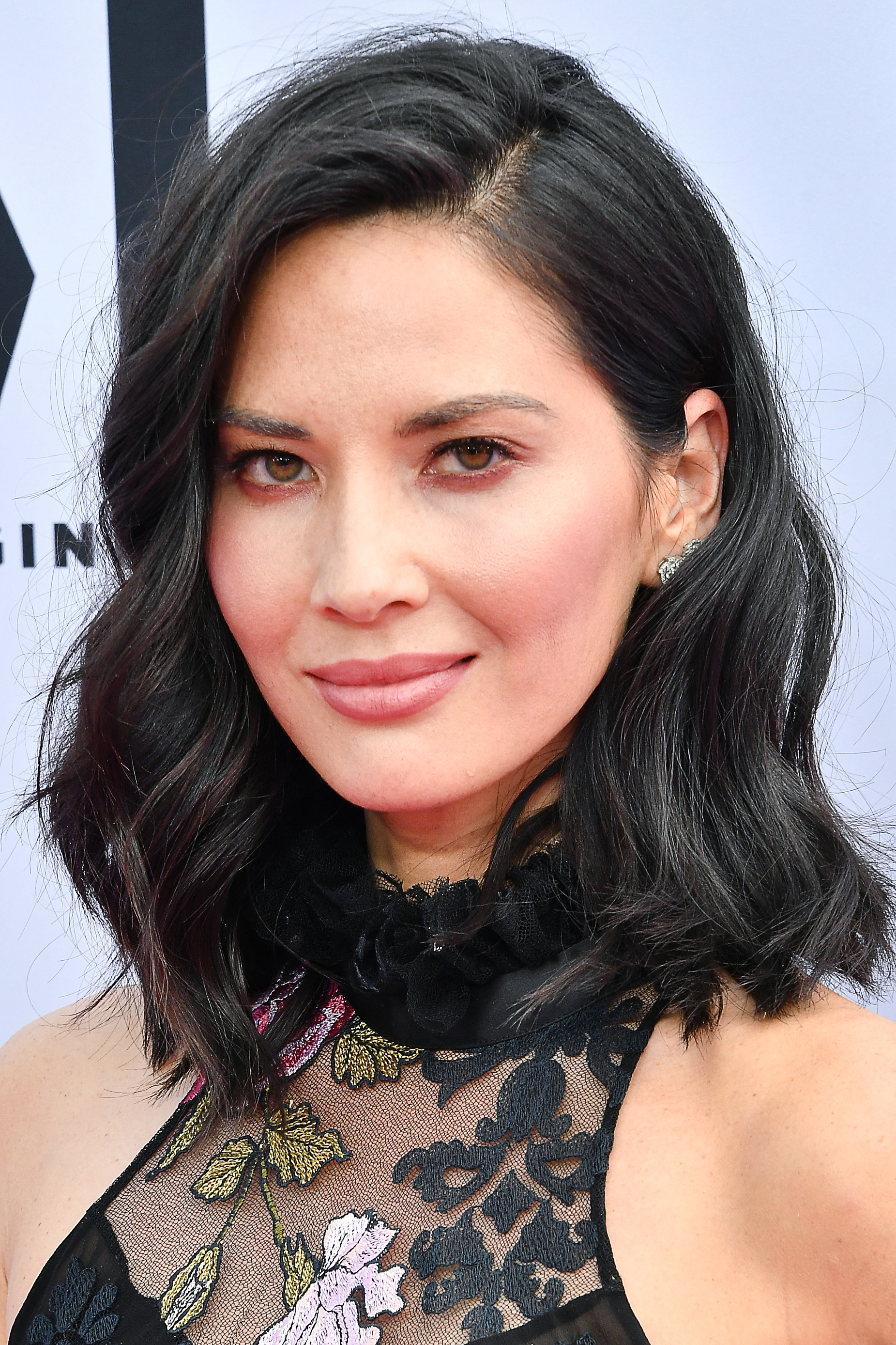 how to figure out where to part your hair | instyle