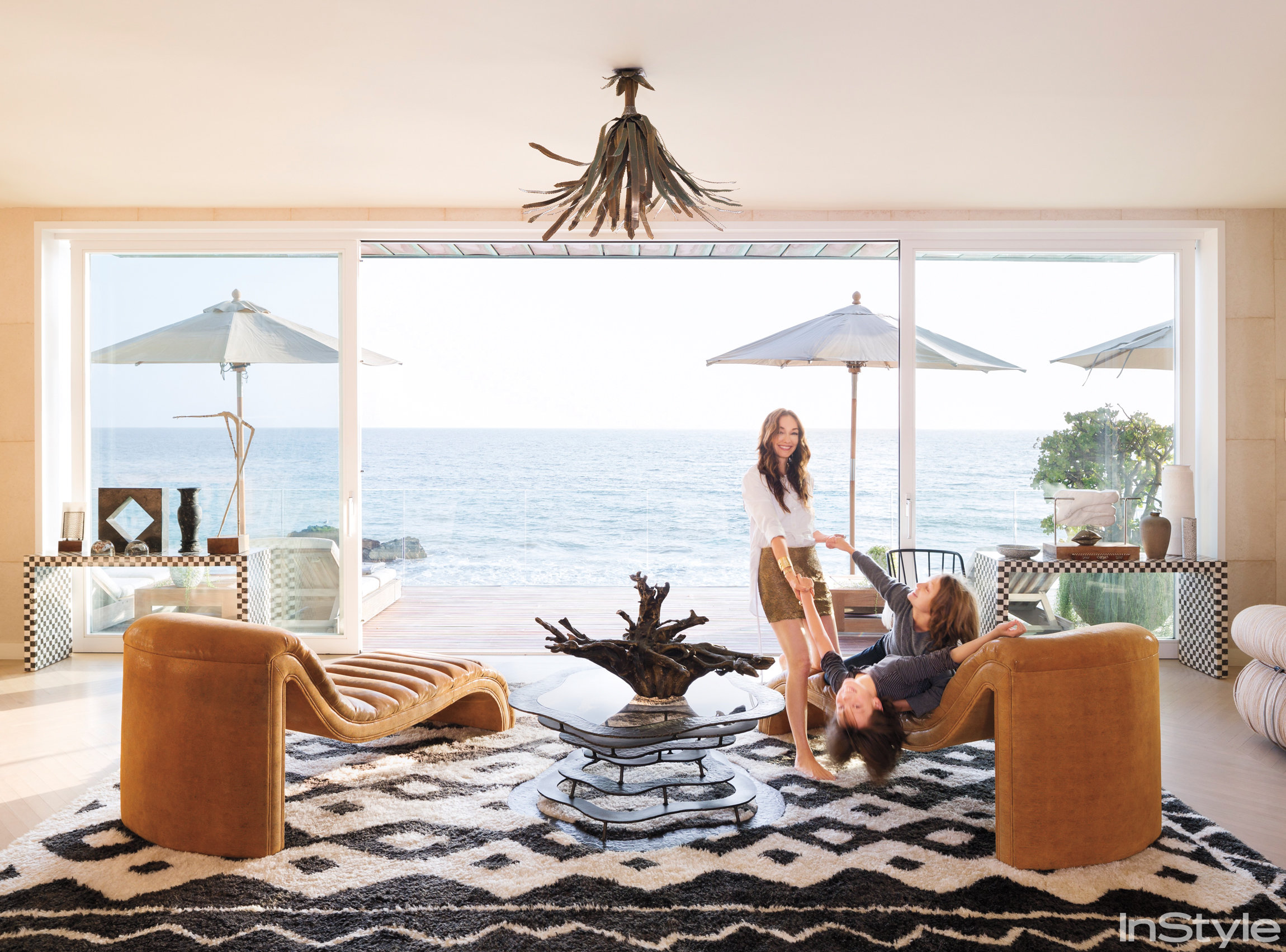 Kelly Wearstler Tour Kelly Wearsters Incredible Malibu Home And Get The Look