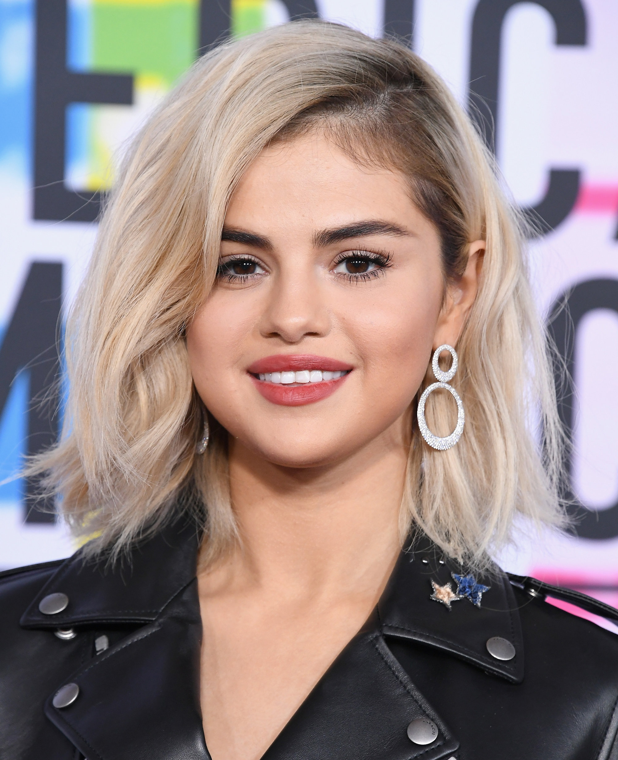 How To Get Selena Gomezs Blonde Hair Color InStylecouk