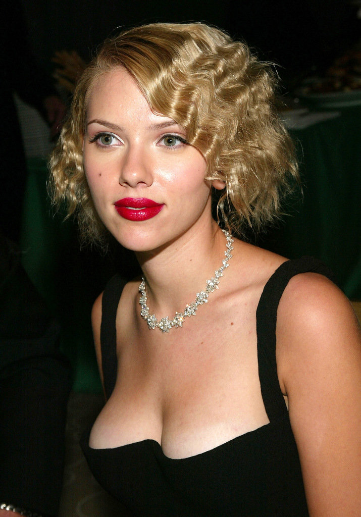 Scarlett Johansson Regrets This Crimped Hairstyle the Most
