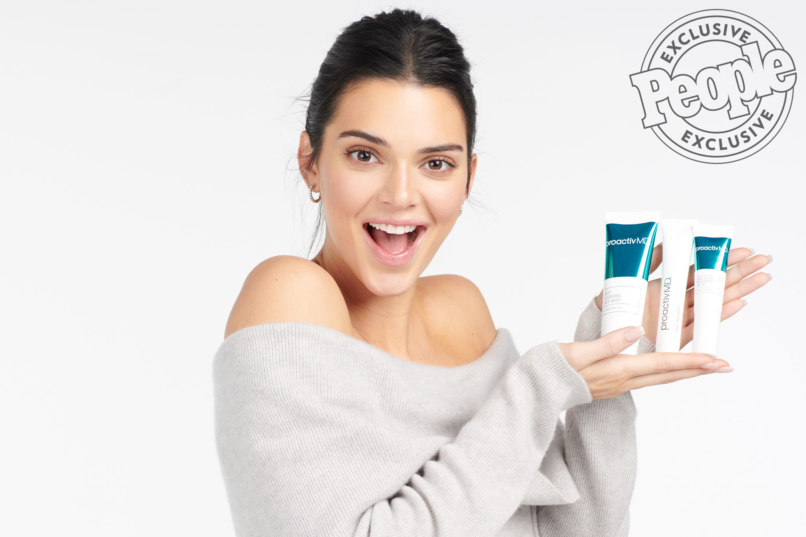 """Kendall Jenner Posts Photos of Her """"Debilitating"""" Acne Along with an Emotional Message"""